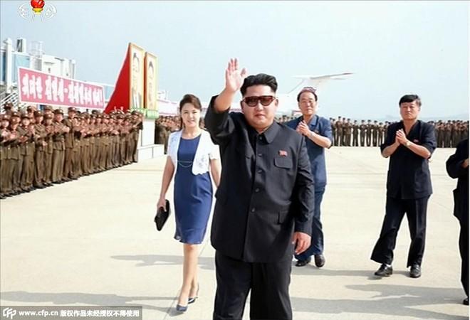 Bốn nguyên thủ nổi tiếng thế giới Tập-Putin-Kim-Biden khi đeo kính râm trông sẽ như thế nào? - Ảnh 13.