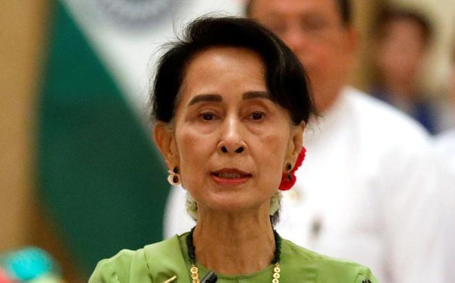 Bà Aung San Suu Kyi bị buộc tội tham nhũng gần 11 kg vàng, 600.000 USD
