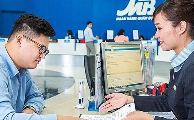 Nhà đầu tư nước ngoài ồ ạt gom cổ phiếu ngân hàng