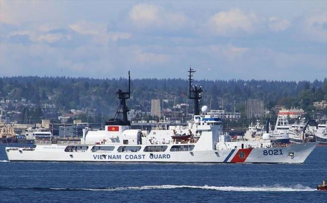 Hai tướng Mỹ lên thăm tàu Cảnh sát biển CSB 8021 bàn giao cho Việt Nam: Cập nhật mới nhất về hành trình về nước