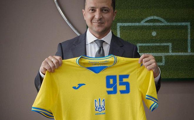 Phản ứng bất ngờ của ông Putin khi áo đấu Euro 2020 của Ukraine in hình bán đảo Crimea