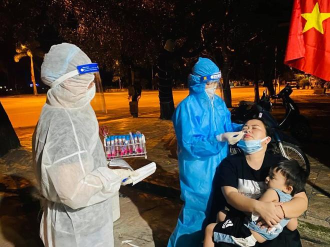 THÔNG BÁO KHẨN: Tìm người đến 18 địa điểm liên quan chùm ca bệnh Covid-19 ở Hà Tĩnh - Ảnh 1.