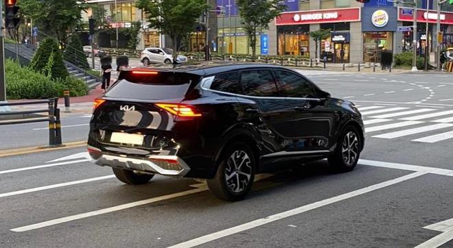 Kia Sportage đẹp khó cưỡng, bầu trời công nghệ phả hơi nóng Mazda CX-5, Hyundai Tucson - Ảnh 3.
