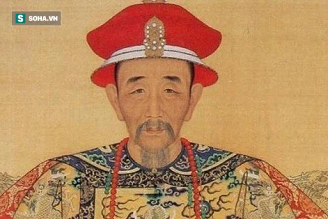 Đánh cờ thua thị vệ, 15 ngày sau phát hiện xác đối phương cạnh bàn cờ, Khang Hi xấu hổ nói 1 câu lưu danh thiên cổ - Ảnh 2.