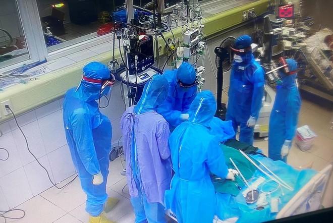2 nữ bệnh nhân ung thư giai đoạn muộn mắc Covid-19 tử vong; TP.HCM: Một gia đình tổ chức ăn nhậu, cả 6 người tham gia nhậu đều dương tính - Ảnh 1.