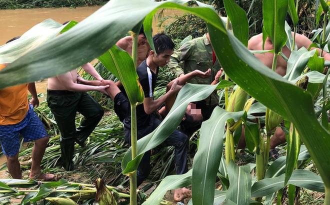 Đại úy công an lao mình xuống dòng lũ xiết cứu người ở Tuyên Quang