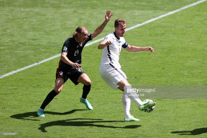 [TRỰC TIẾP] Anh 1-0 Croatia: Sterling bất ngờ mở tỉ số cho Tam sư - Ảnh 1.