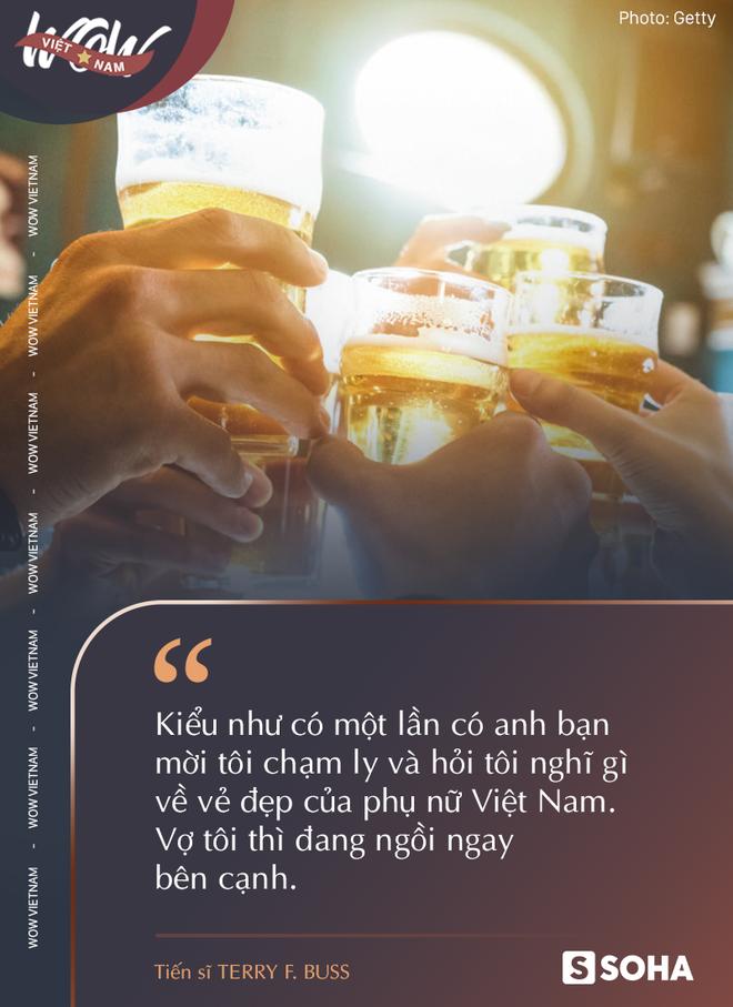 Món gà gây chấn thương tinh thần, bánh chưng cạn lời và những lần bàng hoàng sau bữa ăn của một ông Tây 10 năm ở Việt Nam - Ảnh 8.