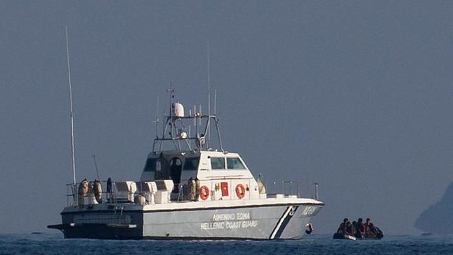 Tàu tuần tra Hay Lạp và Thổ Nhĩ Kỳ cố tình đâm húc nhau, đã có thiệt hại - Ảnh 1.