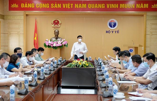 Bộ trưởng Bộ Y tế Nguyễn Thanh Long: Việt Nam thực hiện chiến dịch tiêm chủng lớn nhất trong lịch sử - Ảnh 1.