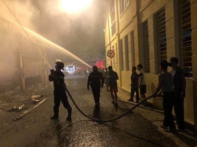 Nghệ An: Hiện trường vụ cháy kinh hoàng khiến 6 người tử vong - Ảnh 2.
