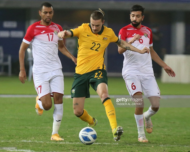 [CẬP NHẬT] Tổng hợp diễn biến vòng loại World Cup 2022: ĐT Việt Nam chờ tin vui từ Australia và Iraq - Ảnh 1.