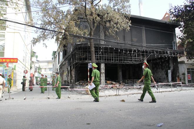 Vụ cháy 6 người chết ở Nghệ An xảy ra như thế nào qua lời kể của những nhân chứng đầu tiên tới hiện trường? - Ảnh 6.