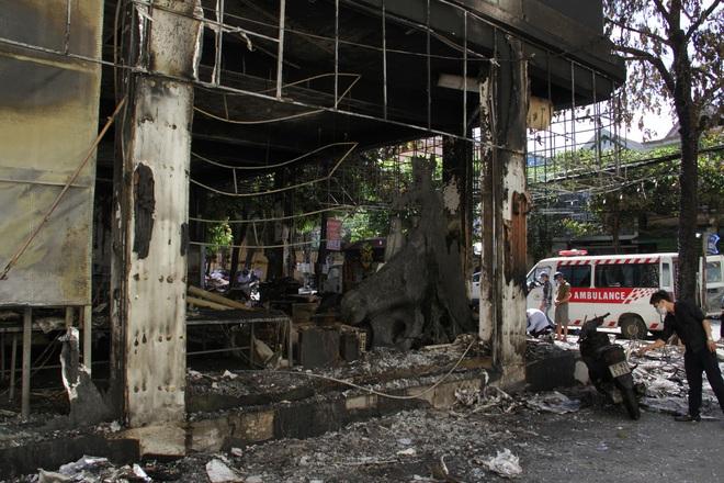 Vụ cháy 6 người chết ở Nghệ An xảy ra như thế nào qua lời kể của những nhân chứng đầu tiên tới hiện trường? - Ảnh 3.
