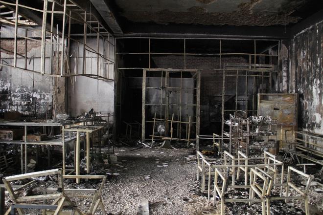 Vụ cháy 6 người chết ở Nghệ An xảy ra như thế nào qua lời kể của những nhân chứng đầu tiên tới hiện trường? - Ảnh 11.