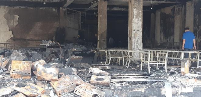 Công an thông tin vụ cháy phòng trà làm 6 người tử vong ở Nghệ An, Bộ Công an vào cuộc điều tra - Ảnh 4.