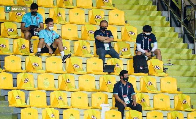 [CẬP NHẬT] Tổng hợp diễn biến vòng loại World Cup 2022: Việt Nam bước vào trận đấu với UAE - Ảnh 1.