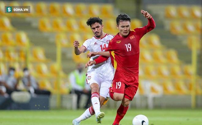 HLV UAE biểu hiện lạ khi đội nhà dẫn trước 3-0, hóa ra lo không thừa vì sức mạnh Việt Nam!