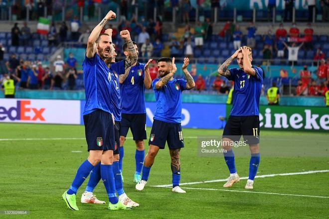 Italia hùng dũng khẳng định tham vọng vô địch; Gareth Bale hóa siêu nhân gồng gánh Xứ Wales - Ảnh 3.