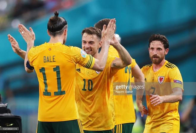 Italia hùng dũng khẳng định tham vọng vô địch; Gareth Bale hóa siêu nhân gồng gánh Xứ Wales - Ảnh 4.