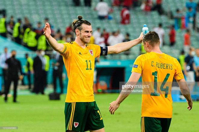 Italia hùng dũng khẳng định tham vọng vô địch; Gareth Bale hóa siêu nhân gồng gánh Xứ Wales - Ảnh 5.