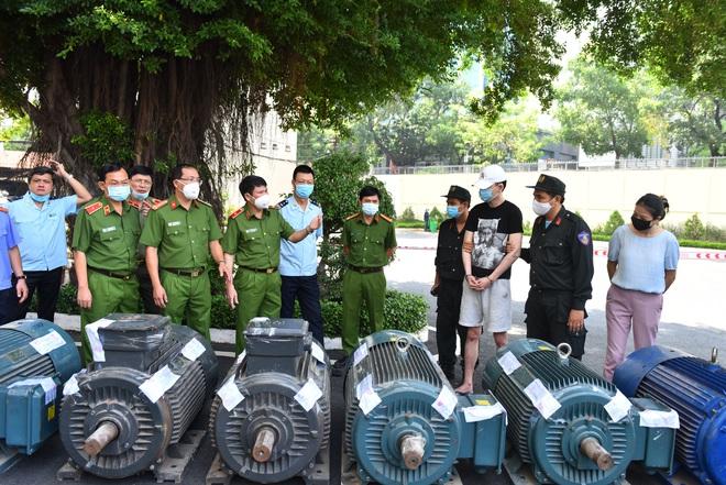 Nóng: Cảnh sát đột kích phá chuyên án hơn 500kg ma túy giấu trong dạ dày lợn, mô tơ điện - Ảnh 3.