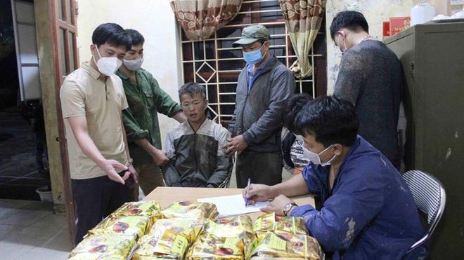 2 đối tượng vận chuyển hơn 23kg ma túy từ Lào về Việt Nam - ảnh 1