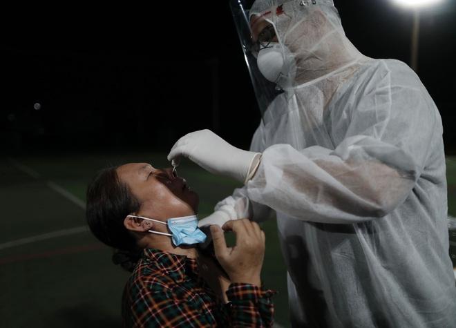 Có 503 ca mắc COVID-19 trong hôm nay; Một nhân viên LHQ mắc COVID-19 đưa đến Việt Nam điều trị khẩn cấp bằng máy bay riêng - Ảnh 1.