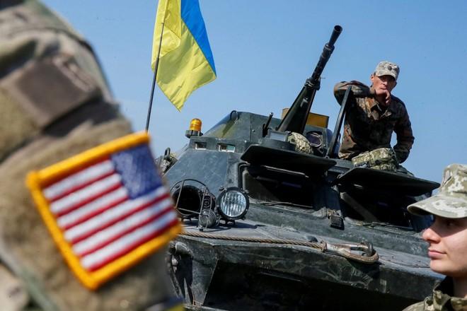 Mỹ ra quyết định đột ngột vào phút chót, Ukraine chết lặng - Phi công Trung Quốc bị bắn hạ bởi đối thủ bất ngờ - Ảnh 1.