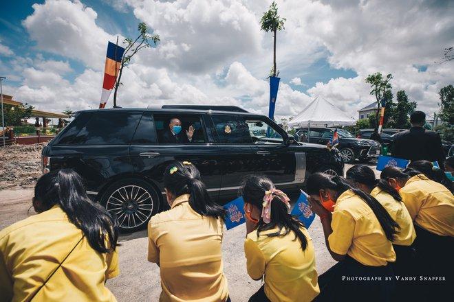 Chiếc Range Rover của Quốc vương Campuchia – limo sang trọng chống đạn, chống lựu đạn - Ảnh 4.