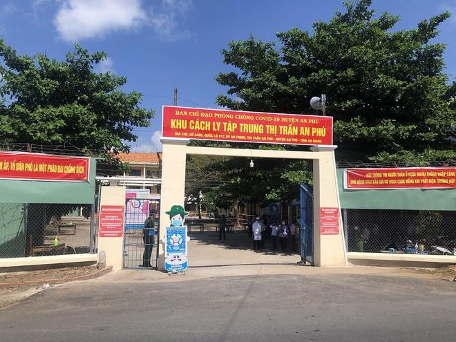 Thêm 2 bệnh nhân COVID-19 tử vong; Cán bộ tử vong sau tiêm vaccine COVID-19 ở Bình Thuận không có triệu chứng bất thường - Ảnh 1.