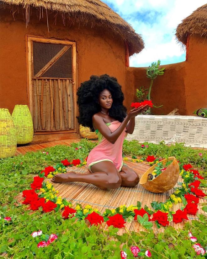 Cô gái Châu Phi đẹp không tì vết, cực nóng bỏng đang gây sốt thật sự là ai?  - Ảnh 1.