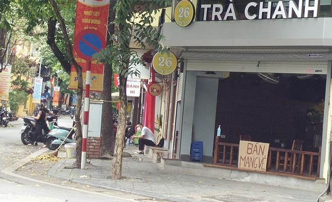 NÓNG: Đề xuất nới lỏng một số hoạt động thiết yếu ở Hà Nội từ ngày mai 22/6; Quận 8 đề nghị giãn cách xã hội một khu phố theo Chỉ thị 16 - Ảnh 1.