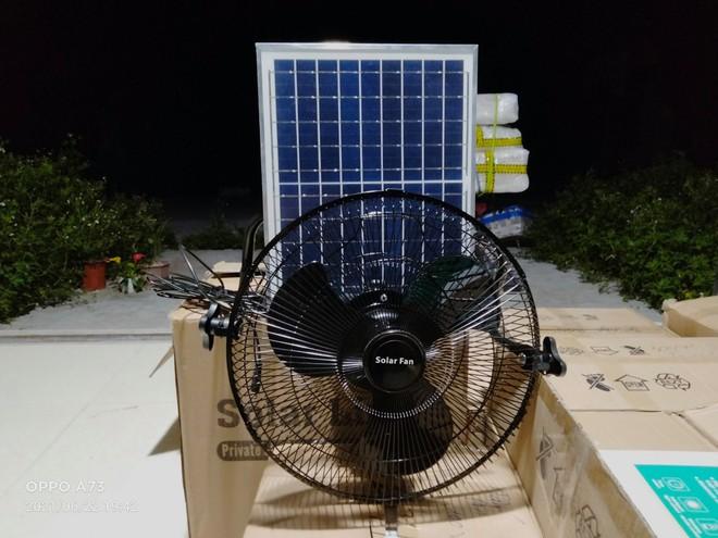 Quạt giá rẻ thần thánh gây sốt mùa nắng nóng, không ngốn điện, tiết kiệm tiền? - Ảnh 1.
