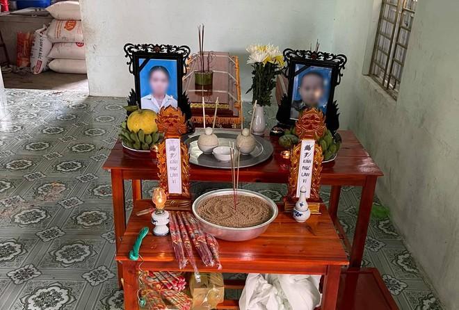 Phát hiện thi thể 2 mẹ con dưới ao nước ở Nghệ An