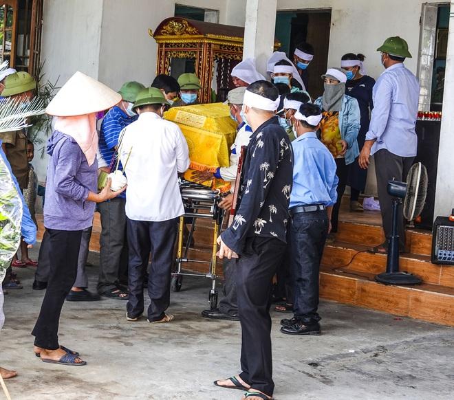 Thảm án 3 người chết ở Thái Bình: Buổi sáng người vợ nộp đơn ly hôn, 1 tiếng sau Đào Văn Thịnh đầu thú - Ảnh 4.