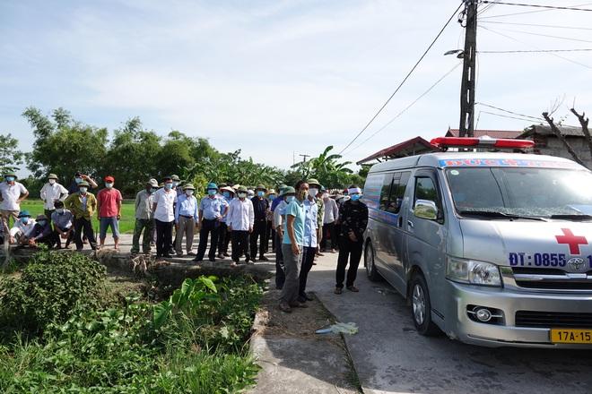 Kẻ giết 3 người ở Thái Bình đi đầu thú còn thản nhiên chào hỏi công an, nói các anh bắt em đi - Ảnh 1.