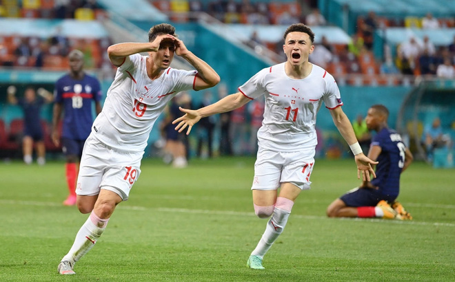 Kết quả Pháp vs Thụy Sĩ: Pogba siêu phẩm, Benzema cú đúp, Pháp gục ngã đau đớn trên chấm luân lưu