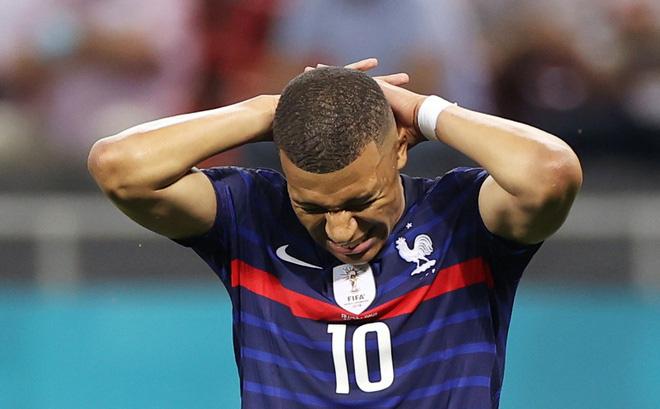'Tội đồ' Mbappe: Tôi xin lỗi vì đã đá hỏng penalty!