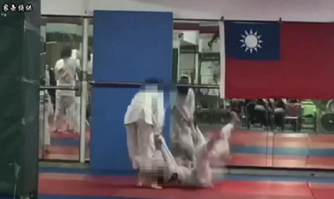 Bị thầy và đồng môn vật 27 lần, võ sinh judo tử vong - Ảnh 1.