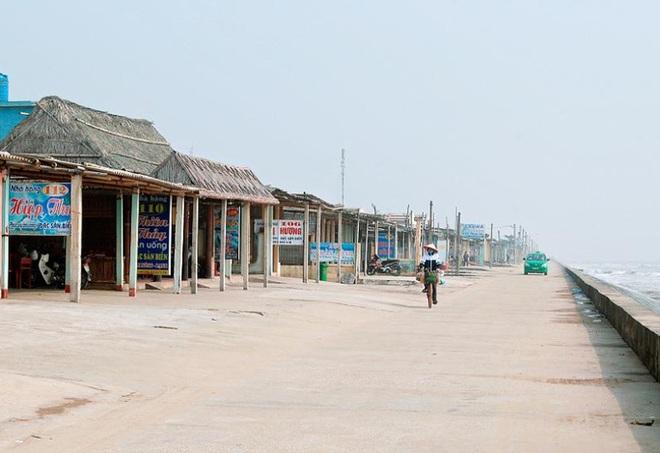 Công an Nam Định quyết xóa nạn mại dâm ở biển Quất Lâm - Ảnh 1.