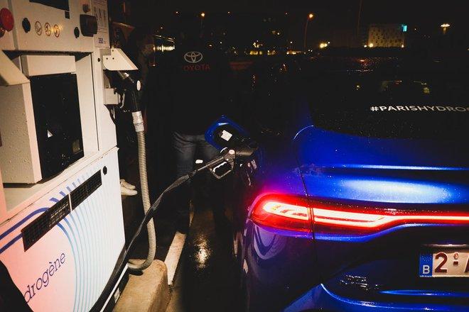 Chiếc xe xanh hạ gục mọi ô tô điện khác về tầm xa: Nạp 1 lần đi hơn 1000km! - Ảnh 2.