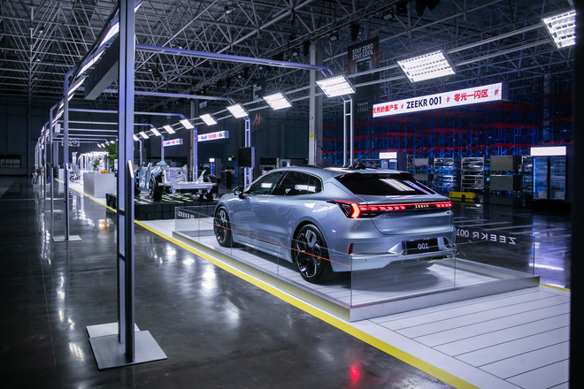 Xe điện Trung Quốc Geely Zeekr 001 giá khoảng 1 tỷ đồng: Công suất như siêu xe, có cho thuê pin, có thể gia nhập thị trường Mỹ - Ảnh 4.