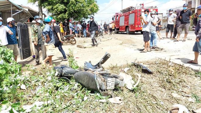 Xe tải gây tai nạn liên hoàn khiến 2 người thiệt mạng, 4 người bị thương - Ảnh 3.