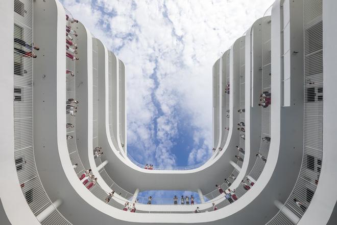 Kiến trúc chuyển động kỳ lạ của công trình ở Tây Ninh - Ảnh 7.