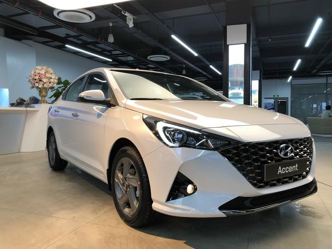 Mẫu xe quốc dân Toyota Vios giảm giá vài chục triệu vì tụt hạng: Đối thủ mạnh cỡ nào mà phải làm vậy? - Ảnh 3.