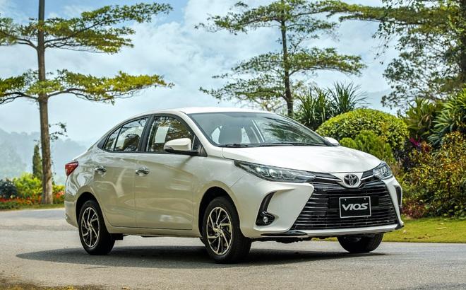 Mẫu xe 'quốc dân' Toyota Vios giảm giá vài chục triệu vì tụt hạng: Đối thủ mạnh cỡ nào mà phải làm vậy?