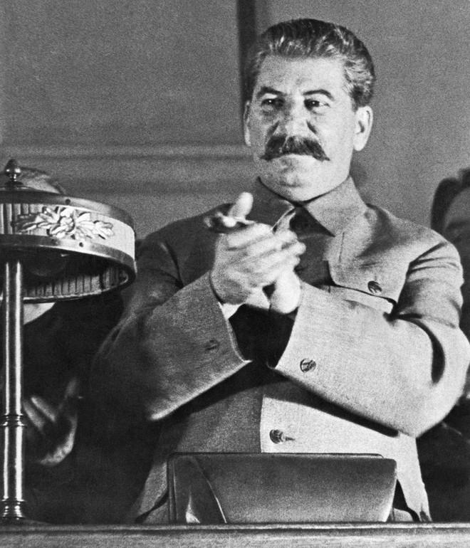 Bóc tách giai thoại về Stalin: Sự thật về đội vệ sĩ khổng lồ và lối sống không vật chất - Ảnh 4.