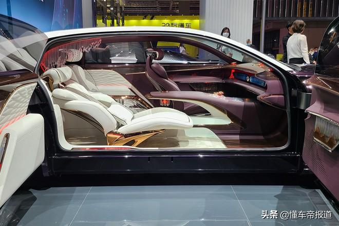 Ô tô Trung Quốc lắp hẳn đèn chùm như khách sạn 5 sao, quyết vượt mặt Rolls Royce có bầu trời sao - Ảnh 3.