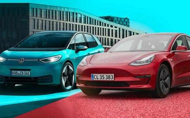 Các hãng xe hơi truyền thống phản công, Tesla chuẩn bị đối đầu 'khủng hoảng'